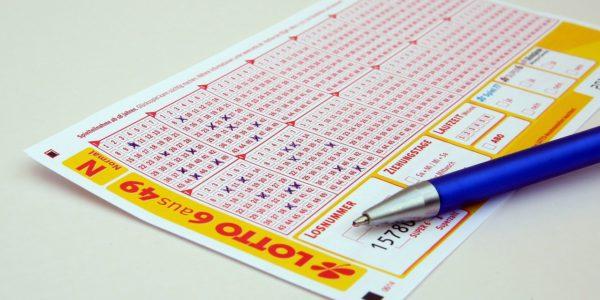 Ile kosztują zakłady Lotto?