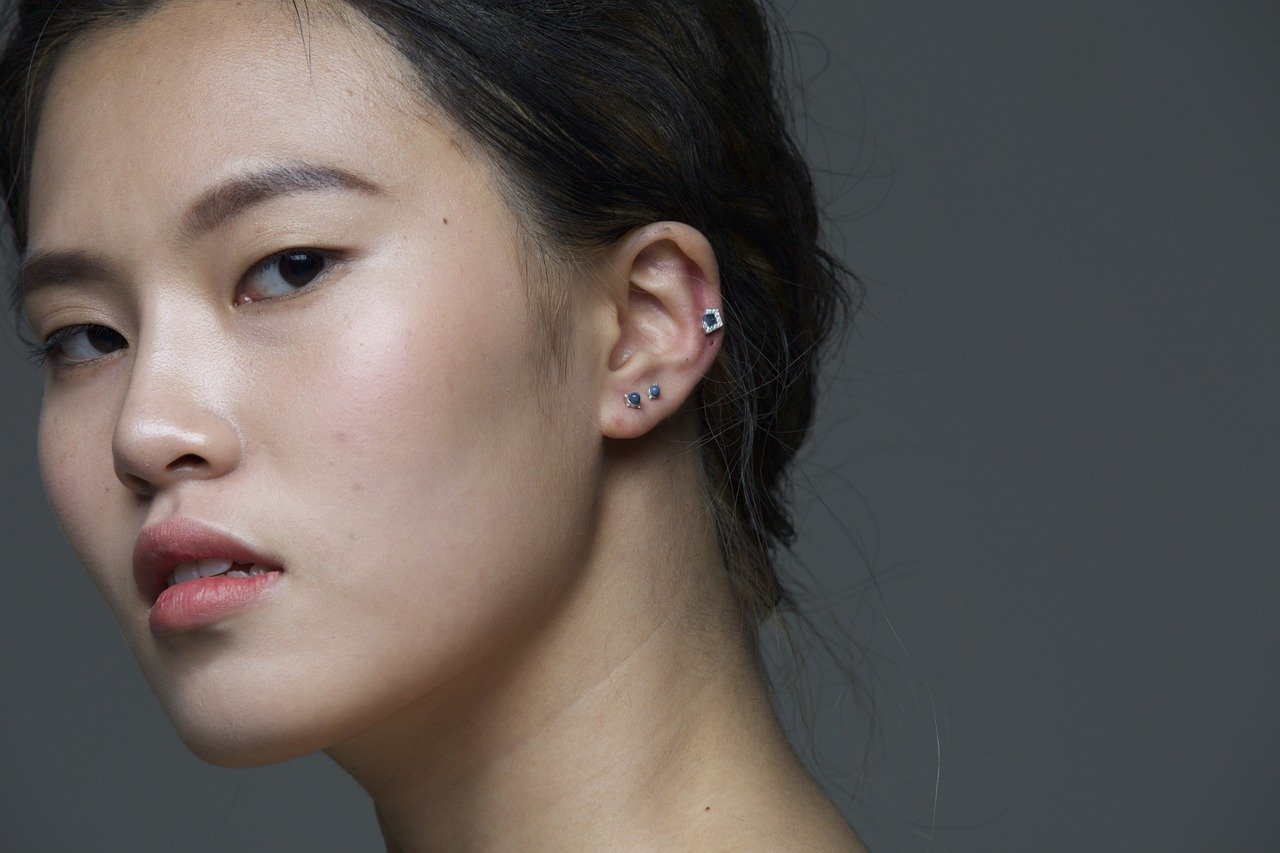 Ile kosztuje przekłucie uszu?